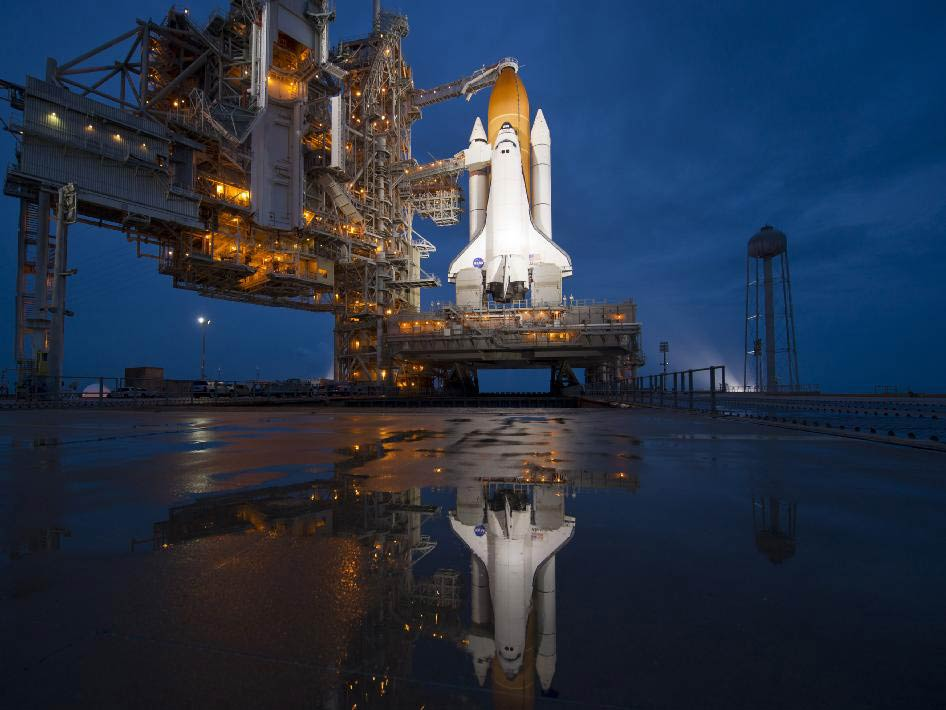 Space Shuttle Pictures - Photos & Images of Spacecraft